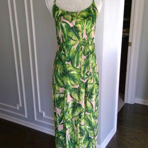 NWT Forever 21Contemporary tropical maxi dress